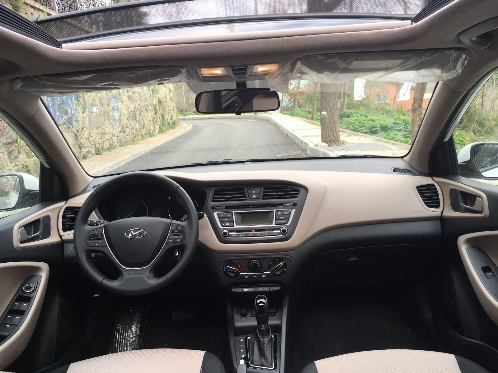HYUNDAI i20 2017 Model Benzin Otomatik Vites Kiralik Araç - 1711