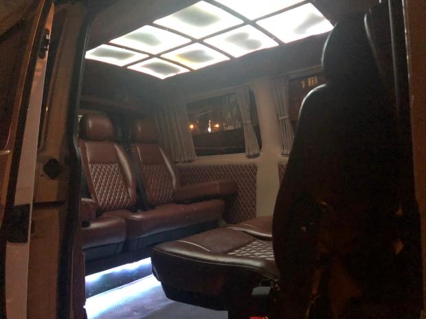 VOLKSWAGEN Transporter 2018 Model Dizel Manuel Vites Kiralik Araç - 9F75