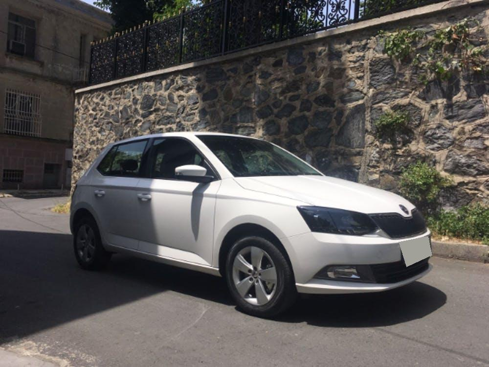 SKODA Fabia 2018 Model Benzin Otomatik Vites Kiralik Araç - 1711