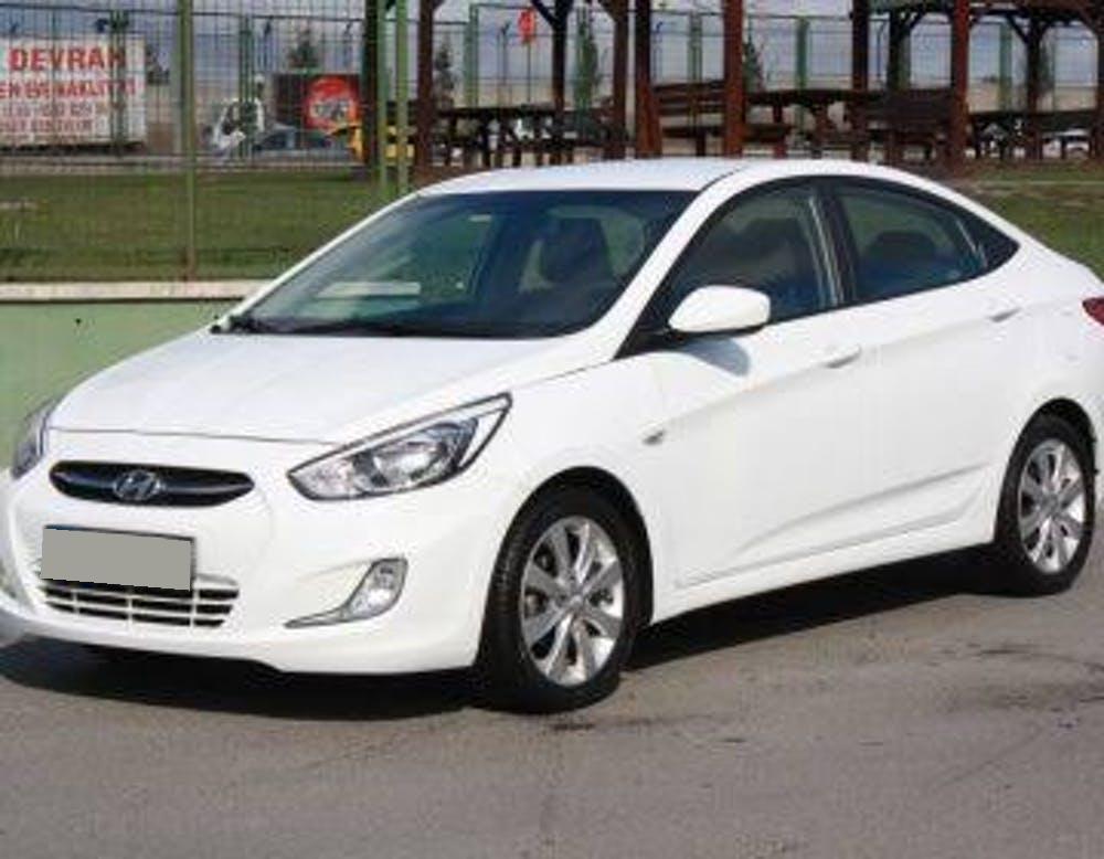 HYUNDAI Accent Blue 2014 Model Benzin Manuel Vites Kiralik Araç - 8541