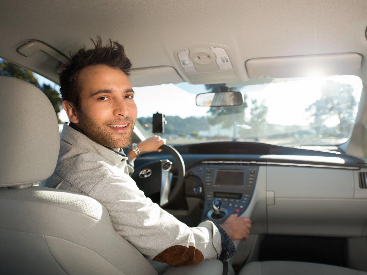Sürücü, Bayramda Araç Kiralama