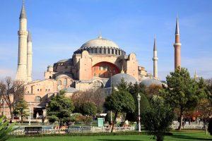 İstanbul'da nereleri gezmeli? ayasofya