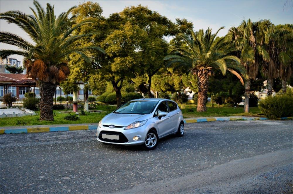 FORD Fiesta 2010 Model LPG Otomatik Vites Kiralik Araç - D652